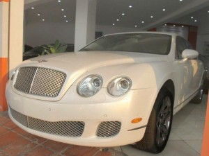 Bán Bentley Contynental Flying model 2010 màu trắng. Xe đẹp như mới, Sang trọng- Đẳng Cấp