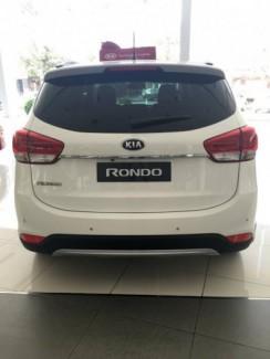 Bán Kia Rondo 2017, 7 chỗ , số tự động, màu trắng, trả góp tới 80%
