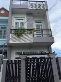 Bán nhà 1 trệt 1 lầu 3 Pn sổ riêng khu vực chợ Bình Chánh,96m2 chỉ 600TR.
