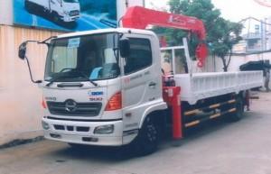 Xe tải Hino FC gắn cẩu Unic 5 tấn 4 đốt có...