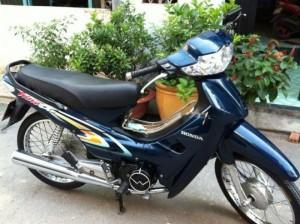 Honda Wave Alpha đời đầu màu xanh