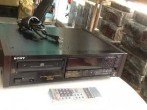 Bán chuyên CD Sony 557ESD hàng bải chọn lọc từ nhật về ,đẹp long lanh