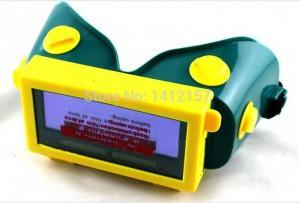 Kính hàn tự động Tyno Nước sản xuất: Trung Quốc Model: WG108 Chứng chỉ: CE 0196 / EN 379, ANSI Z97.1, CSA Z94.3, AS NZS 1337,1 Kích thước của băng cassette: 108 x 51 x 5.2mm Dòng của tầm nhìn: 92 × 31mm Bóng râm (ánh sáng): DIN4 Kiểm soát bóng (bóng tối): DIN11 Shade cố định (12) Chuyển mạch thời gian: 1 / 25000S Thời gian phục hồi tự động: 0,2 S-0.5 S Cung cấp năng lượng: Các tế bào năng lượng mặt trời + pin Lithium Hàn / chế độ mài: Có thể được selectived Năng lượng mặt trời: Có