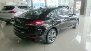 Hyundai Elantra 1.6 AT 2017, xe đẹp giá đẹp