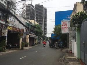 Cần bán nhà gấp,  Nhà nằm ngay góc Nguyễn Cửu Vân và Điện Biên Phủ