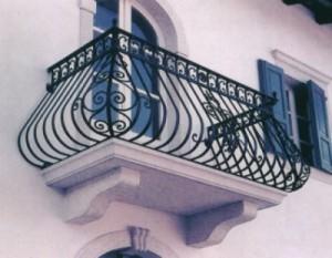 Ban công sắt, cầu thang sắt