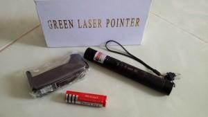 Đèn Laser Xanh 303