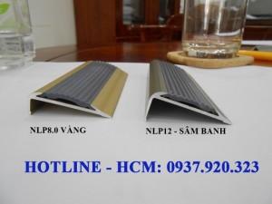 Chuyên phân phối sỉ nẹp chống trơn cầu thang, chống trơn sàn nhà các loại.
