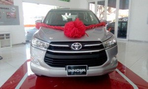 Toyota Innova số sàn 2017, giao xe ngay,...