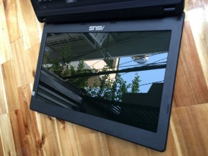 Laptop asus X45C, i3 2328, 2G, 500G, gia re