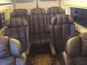 Trang bị nội thất hiện đại và không kém phần sang trọng trên xe Limousine tại Sài Gòn Ford | Gọi ngay báo giá và tư vấn tốt nhất!
