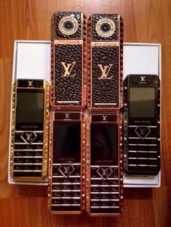 Điện thoại Louis vuitton V12