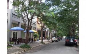 Cho thuê nhà phố góc công viên Hưng Phước 3,...