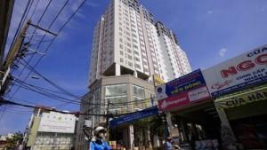 Sạp kế chợ Tân Bình đường Phạm Phú Thứ