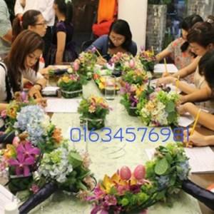 Thông báo khai giảng lớp cắm hoa tươi nghệ...