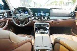 Mercedes E 2500 2017 sang trọng
