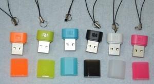 USB Wifi Xiaomi là sản phẩm khá nhỏ gọn, bằng 1/3 cái usb thông thường. Usb được đóng gói trong 1 túi zip bằng nhựa trong. Đi kèm có 1 móc usb, 1 hướng dẫn bằng tiếng Trung