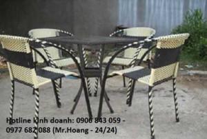 Bộ bàn ghế nhựa giả mây dành cho kinh doanh cà phê MS001