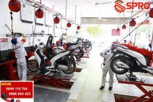 Những bàn nâng xe máy nào phù hợp với tiệm...