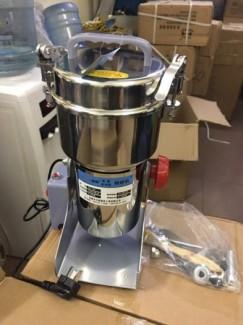 Máy xay tam thất, máy xay nghiền thảo dược CS-700 giá rẻ nhất thị trường