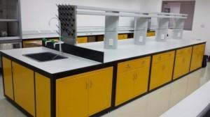 Bàn thí nghiệm trung tâm bằng sắt sơn tĩnh điện