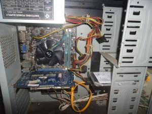 H61 Asus card rời và màn hình 19in led gần như mới