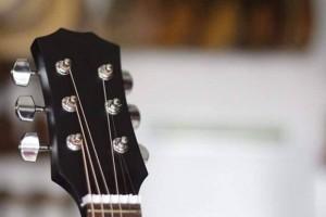 Bán đàn guitar giá rẻ biên hòa V70