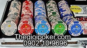 Nên mua chip poker có số hay poker không số