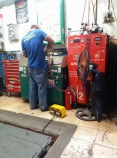 Có nên bơm lốp xe ô tô bằng khí nitơ ?