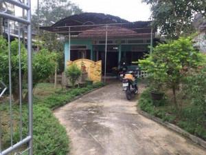 Lối cổng chính dẫn vào nhà