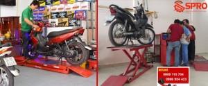 Những bàn nâng xe máy nào phù hợp với tiệm sửa xe, head Honda