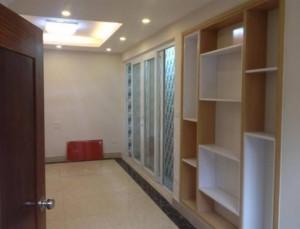 Nhà 6 tầng, 38m2 cách đường Nguyễn Trãi -...