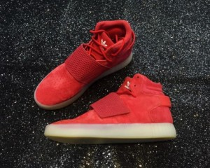 Giày adidas tubular invader strap đỏ