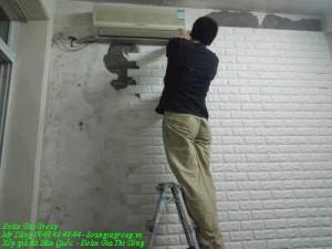 XỐP GIẢ ĐÁ DÁN TƯỜNG - ĐOÀN GIA PHÂN PHỐI VÀ THI CÔNG. - Kích thước 70 x 77 x 1 cm  - Xuất xứ Hàn Quốc  - Giữ ẩm, cách nhiệt hiệu quả giúp tiết kiệm chi phí điều hòa, sưởi ấm. - Chống ẩm, chống nấm móc, chống tụ hơi nước bảo vệ tường nhà bạn khỏi sự ẩm ướt. - Làm đẹp và cách nhiệt chỉ trong 1 lần dán. - Thi công lắp đặt đơn giản người già và trẻ em đều có thể thi công. - Cách âm chống ồn hiệu quả thiết kế dầy giúp giảm tiếng ồn đáng kể - Chống va đập bảo vệ bé yêu bằng bức tường phòng hộ có tính năng đàn hồi. - Tường ẩm mốc, thấm đều dán được.