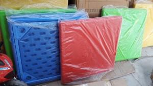 Bàn nhựa nhập khẩu dành cho các bé trường mầm...