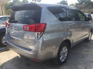 Toyota Inova 2017 số sàn màu bạc. Giảm 40tr,...