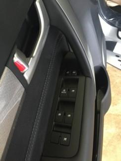 Bán xe Chevrolet Captiva 2017 màu bạc mới...