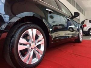 Cần bán Chevrolet Cruze 2017 mới nhất, màu đen