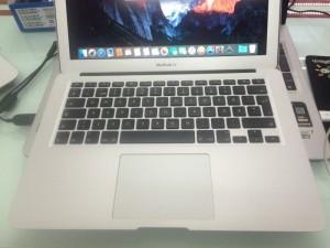 Macbook Air 2012 A1466 EMC 2559>>>không xước.không móp tí nào >> đẹp như ngọc trinh