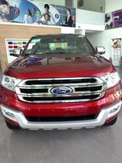 khuyến mãi khi mua Ford everest titanium 2017 tại an khê, gia lai