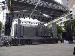 Cho thuê sân khấu ngoài trời-cho thuê dù đôi-cho thuê quạt công nghiệp phun sương Tại TPHCM