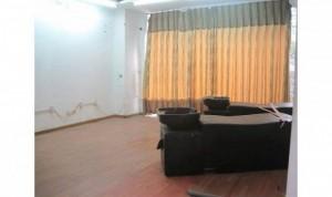 Cho thuê nhà mặt phố Đê La Thành;Đống Đa;giá 32tr;Dt50mx5T