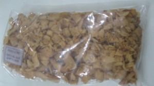 Dừa khô sấy giòn - kết hợp với các nhiều món ăn khác nhau như, chè,  kem xôi …