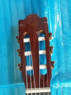Yamaha guitar C 300
