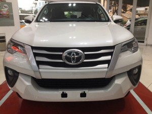 Bán Toyota Fortuner 2.4G Màu Trắng, 2017,...