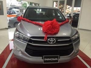 Bán Toyota Innova 2.0E trả góp 90%, chỉ cần trả trước 190, khuyến mãi đến 60 triệu