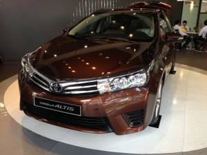 Khuyến Mãi Mua Toyota Altis 1.8G 2017 Tự Động Màu Nâu Mới chỉ cần trả trước 250tr Xe Giao Ngay