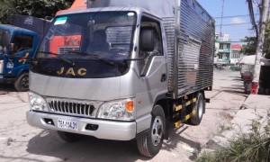 Mua bán xe tải jac 2,3 tấn thùng kín 3m7, vô TP, màu bạc, đời 2017 Liên hệ: 0912 797 477 Kim Phụng