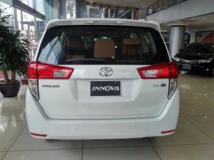Toyota Innova 2.0 E 2017, đủ màu, hỗ trợ vay 80%, thủ tục đơn giản, giao xe ngay