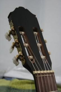 Đàn Guitar Classic mới 99%